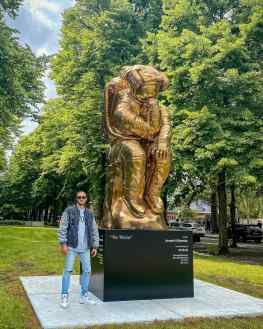 """My sculpture """"The thinker"""" is currently placed on the Apollolaan in Amsterdam as part of the #artzuid exhibition.I would love to know if you have any cool locations or cities in mind where we should place a monumental sculpture?Then we can start working on this 🙏🏼#sculptureart #artistsoninstagram #josephklibansky"""