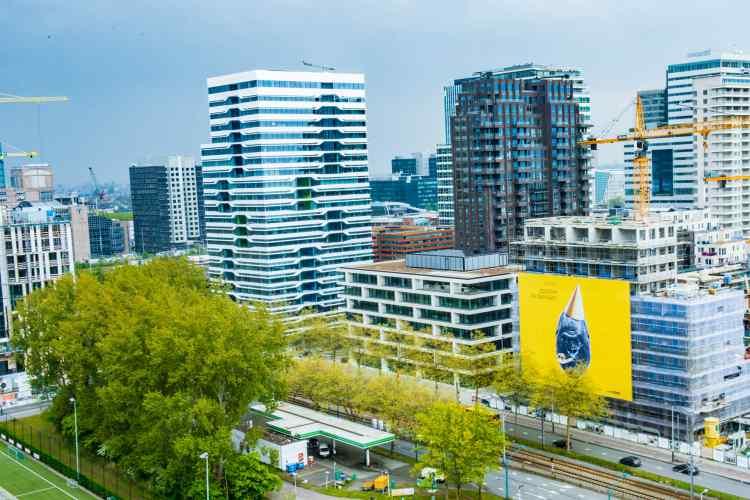 "700 m² Artwork of Big Bang on ""Gershwin Bothers"" building on Zuidas Amsterdam"