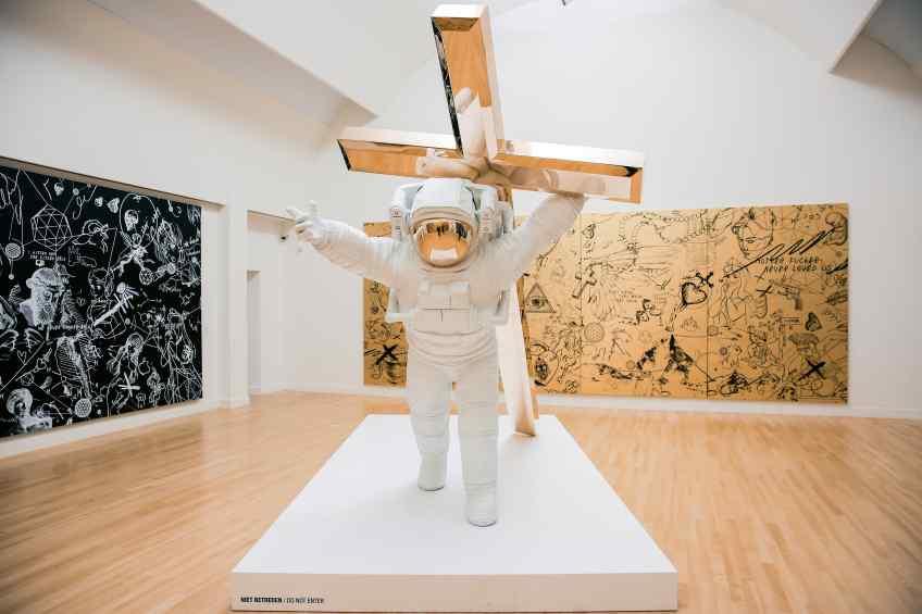 Museum size Leap of Faith, in Museum de Fundatie, Zwolle - Leap of Faith (bronze), 2016 by Joseph Klibansky