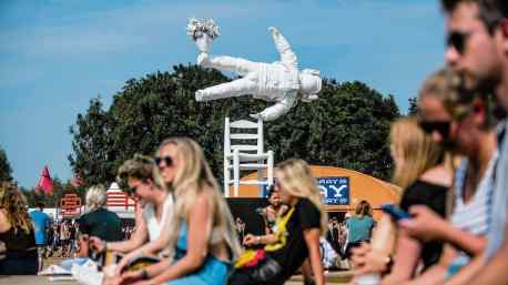 """Self Portrait of a Dreamer"" sculpture by Joseph Klibansky at Lowlands Festival"