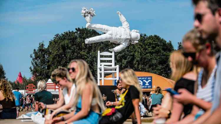 """Self Portrait of a Dreamer"" sculpture by Joseph Klibansky on Lowlands Festival"