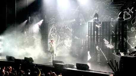 """Lil' Kleine's """"Alleen"""" tour Stage Artwork by Klibansky"""