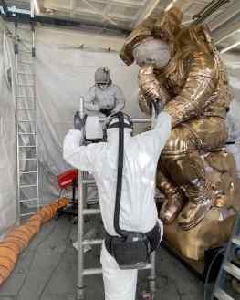 Progress on the big boy 🔥 who wants to help? ..#contemporaryart #sculpture #kunst #josephklibansky #streetart