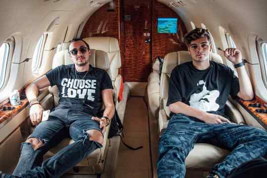 ⚡️What a week!🔥🙏🏻 Ever been to  #London #Amsterdam #Newyork #Orlando #Austin and #Vegas and then back to #Amsterdam in 7 days?We are blessed to live the Artist Life bro @martingarrix ❤️ #josephklibansky #martingarrix
