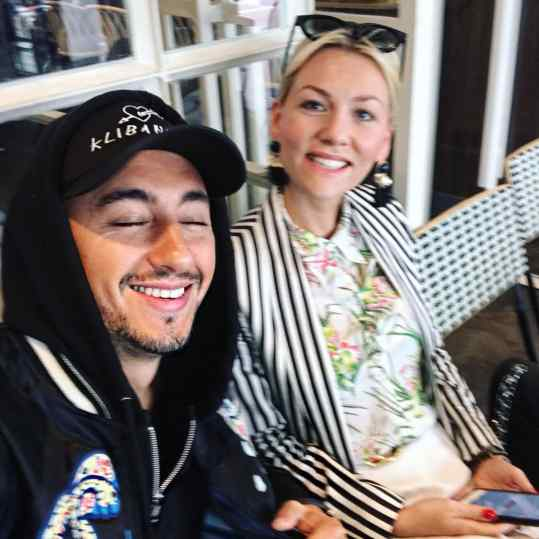 Chillin with the sister @susannaklibansky  the most dedicated and hardest worker I know🙏🏻❤️ #sister #family #contemporaryart #gucci #josephklibansky