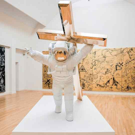 "What do you think the story is behind my bronze sculpture ""Leap of Faith"" ?  Im curious 🙏🏻😊🙏🏻 #faith #newyork #contemporaryart #josephklibansky"