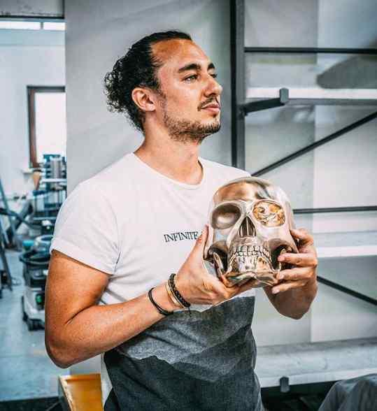 Who wants a bronze skull 💀