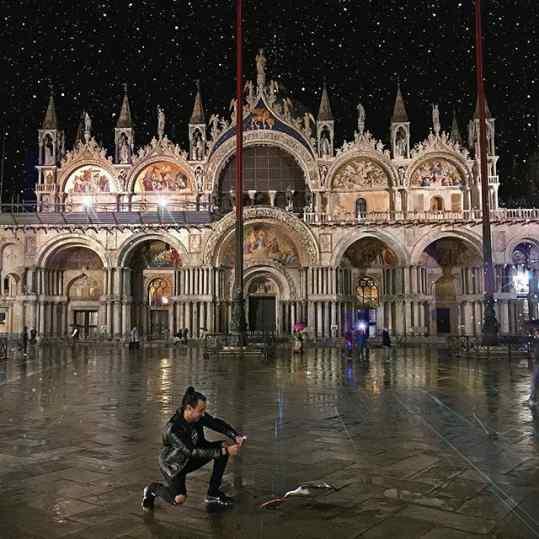 Venice! . #veniceitaly #venice #pizza #seagull