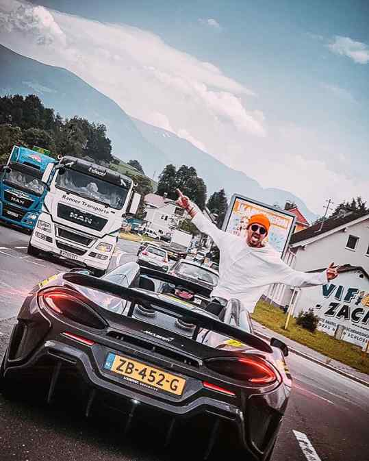 A couple more days on the road..and then back in the studio Who's coming on that next road trip 蘭 #600lt #mclaren