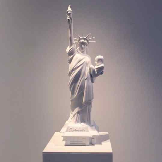 Wow nice lighting! #josephklibansky #statueofliberty #sculpture #artnews #newyork