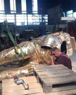We're going BIG again 🔥Were should we place this sculpture?..#art #sculpture #astronaut #spaceart #elonmusk #jeffbezos #nasa