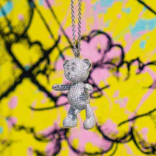 """Would you go for the full diamond """"Bare Hug"""" necklace or the regular gold one? . . #customjewelry #handmadejewelry #art"""
