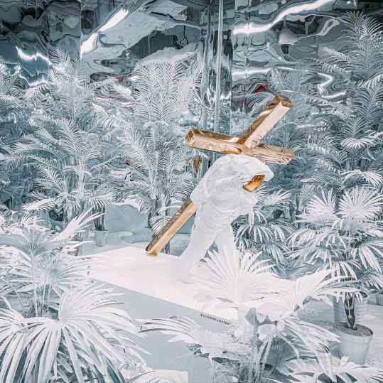 """We have created a 200m2 White Jungle for my exhibition """"Dreams of Eden"""" that opens today at @k11artfoundation in Guangzhou 🇨🇳 let me know what city you live in so we can think about creating a space like this near you! . . #art #k11 #artbaselmiami #contemporaryart #josephklibansky"""