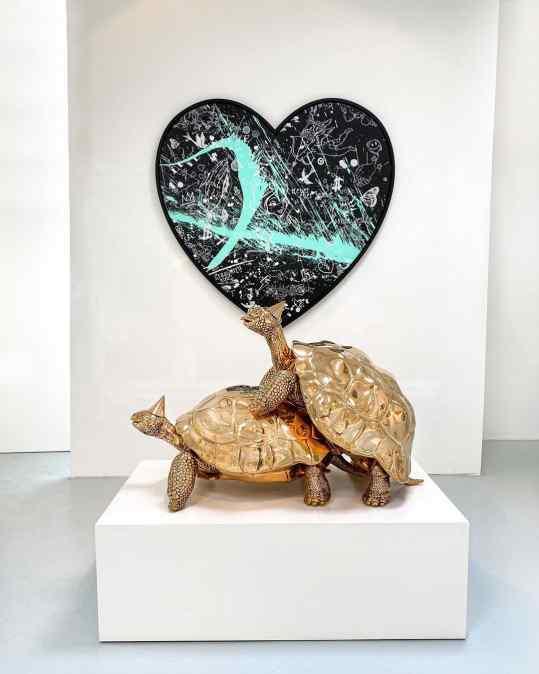 If you had to choose 1 piece..? ❤️ or 🐢 . . #josephklibansky #art #sculpture #staypositive