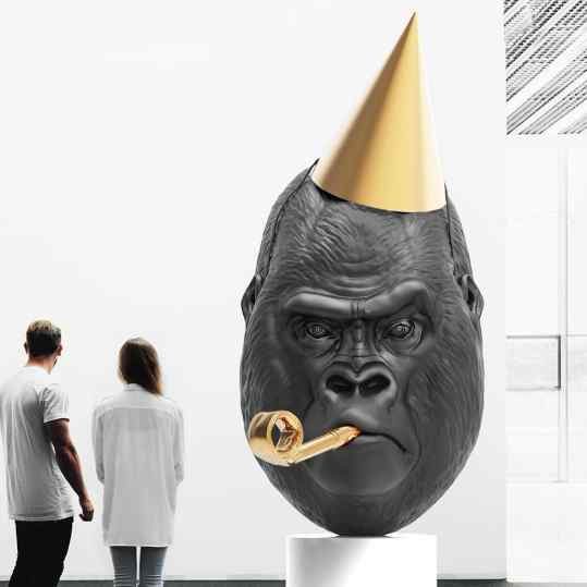 Finally I can show you the new sculpture I'm working on for the past couple of month! -The entire piece is made out of bronze!! And will be crated in 3 different sizes in a very small edition. #Klibansky #josephklibansky #art #gorilla #contemporary #contemporaryart #nyc #londen #hongkong #artbasel #artbaselmiami #collector #gagosian #perrotin #gallery #galleryperrotin #artsy #artnews #venice #venicebiennale #pinault #pinaultcollection
