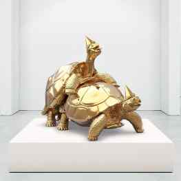 Next to the release of my new painting series at the #tefaf in #Maastricht, I'm also very excited to show my new polished #bronze #sculpture !Titled: -Baby we made it- 😂😂 #tefaf2016 #turtles #contemporaryart