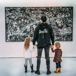 Maybe we should organize art class for kids…? 🗝#artschool