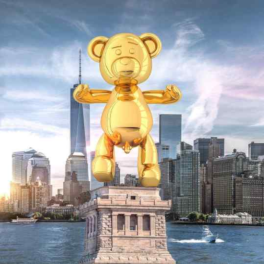 """After many long and serious talks.. the United States 🇺🇸 government and team #josephklibansky have decided to replace the Statue of Liberty 🗽 with """"Bare Hug"""" 🐻 God Bless #newyork"""