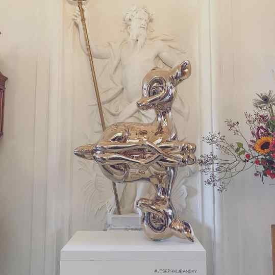 """How stunning is my sculpture """"Reflections of Youth"""" in this classical setting🦌 🔱 . #contemporaryart"""
