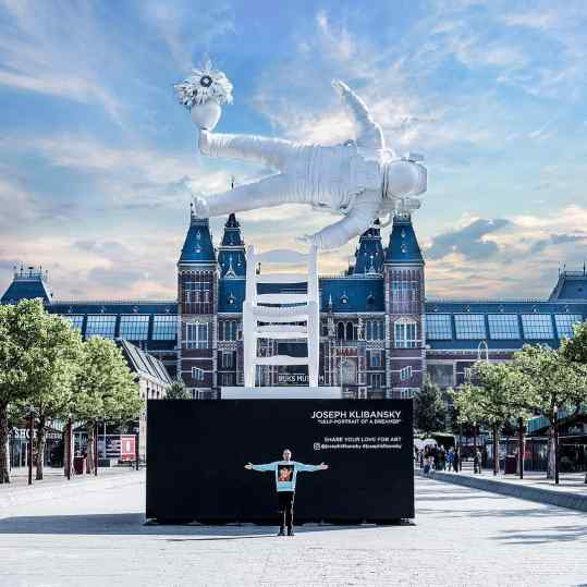 Just a little throwback to one of the coolest projects we did in 2018! a 13meter floating astronaut 👩🏼‍🚀 on a chair in front of the rijksmuseum and next to the van Gogh museum... who took a picture with it? 💜 . #amsterdam #rijksmuseum #vangoghmuseum