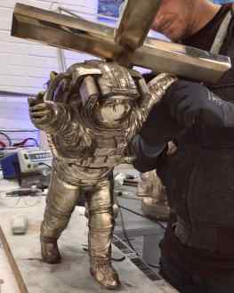 So…do we paint this bronze sculpture white like the other astronauts or leave it as it is..? .#contemporaryart #sculpture #losangeles