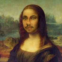 People tell me how different the Mona Lisa looks when you see it in real life, I finally had the chance to see it up close… it indeed looks different then I thought, but I'm still happy I finally got to see it 🙏🏻#monalisa #louvre #paris