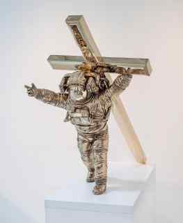 Would you like me to share this photo in my story's as an Phone background ?..#art #religion #sculpture #religiousart #space #astronaut #artcontemporain