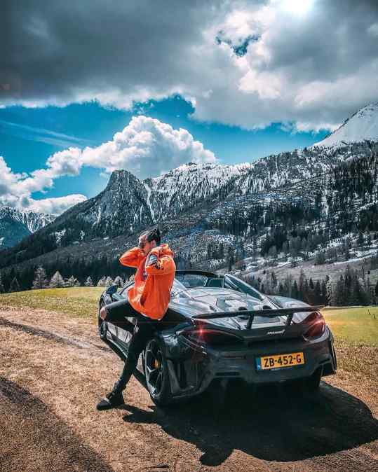I have been driving my new Mclaren through the Italian mountains the past few days. 🇮🇹⛰ 🇮🇹 This #600ltspider MUST be the most exciting convertible on the market today! What is your current favorite car? . . . #mclaren600lt #600lt #mclaren600ltspider #mclaren720s #mclarensenna @mclarenauto @louwmanexclusive #supercars #supercars